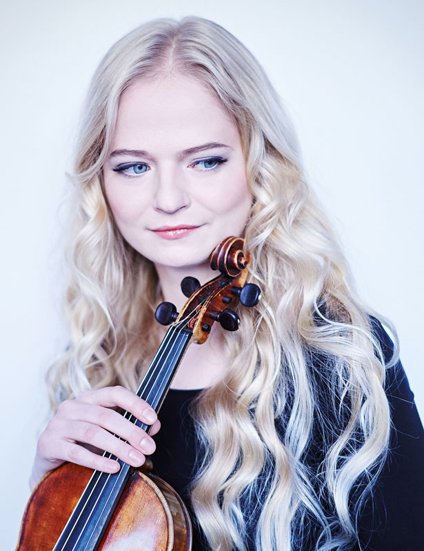 Triin Ruubel : Violine