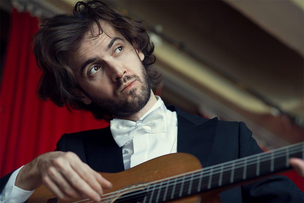 Petrit Çeku : Gitarre