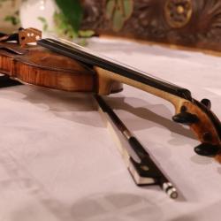 Jesus Reina : Violine